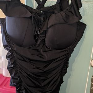 Other - Torrid Size 6 swimsuit